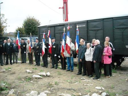 réception du wagon musée pour le mémorial du dernier convoi